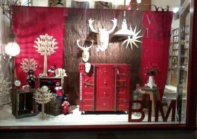 Bimbo front window March 2013 natural carved wood gifts